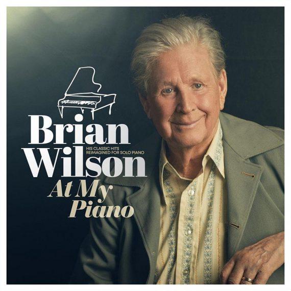 Brian Wilson destripa su cancionero de Beach Boys al piano en At My Piano