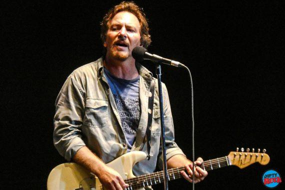 Eddie Vedder estrena Long Way