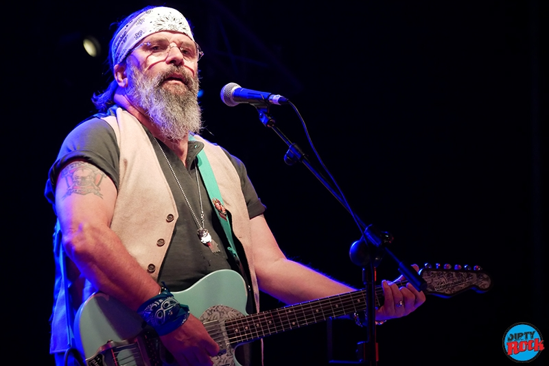 Steve Earle & The Dukes publican nuevo disco Guy Clark 2019